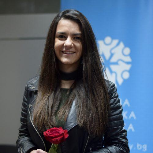Цветелина Лазарова