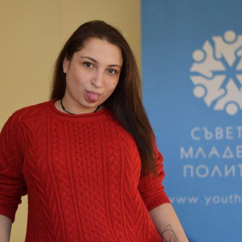 Виктория Табакова